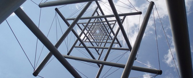 800px-Kenneth_Snelson_Needle_Tower